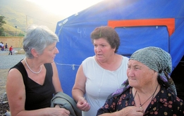 In einem Flüchtlingslager in Grosny, Tschetschenien, Juni 2007