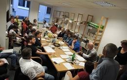 Grüne aus allen Stadtteilen treffen sich an der Schlachte zur Wahlkampf-Besprechung
