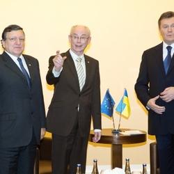 Barroso, van Rompuy und Janukowitsch am 28.11.2013 in Vilnius